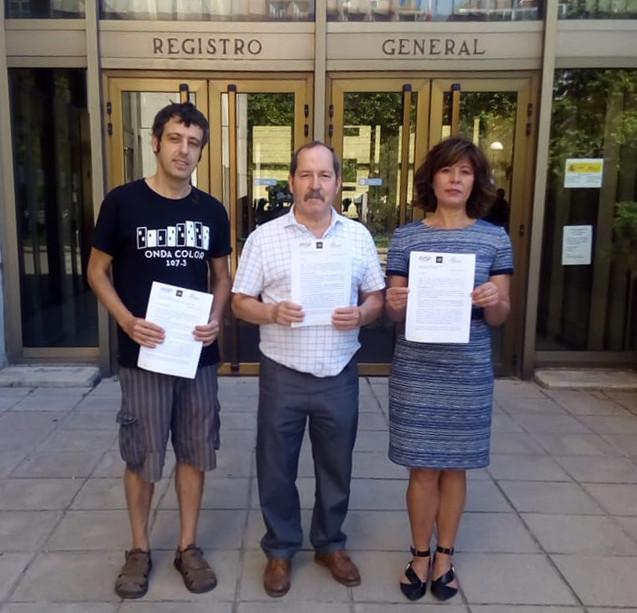 Javier García (ReMC), Agustín Yanel (FesPI) y Yolanda Quintana (PDLI) tras presentar la cara en registro.